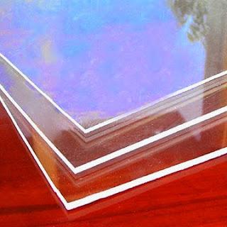 Eliminar rayones del plástico transparente