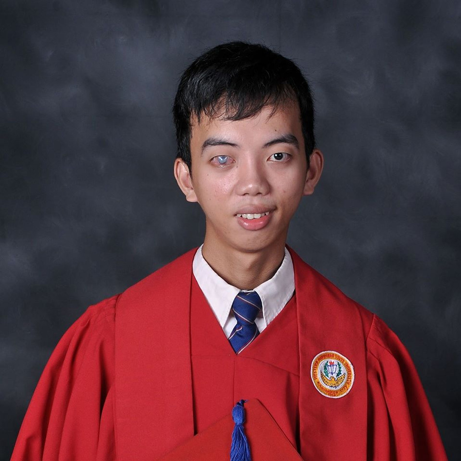 This Inspiring Blind Student is Graduating Cum Laude and Dreams of Helping Other Special Needs Students!