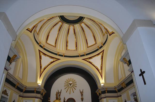 Cúpula y frontal de la ermita del Cristo de la Peña  (Campo Real)