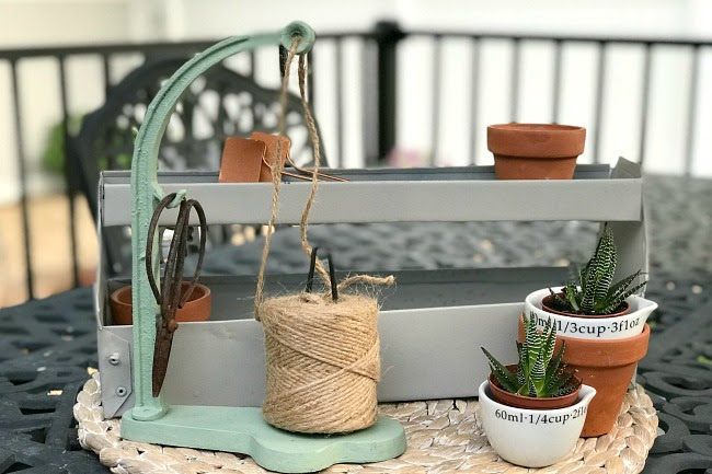How to Create a Little Garden Tote from a Toolbox