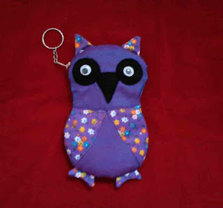 Sarung HP Owl dari kain perca