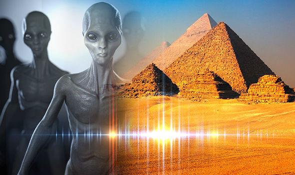 alien, pyramid