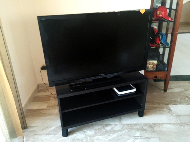 Montar mesa tv de ikea modelo mosjo con patas stubbarp - Mesa tv ikea lack ...
