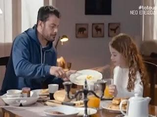 Tatouaz-o-Stefanos-leei-tin-alitheia-stin-Alkyoni-gia-ton-patera-tis