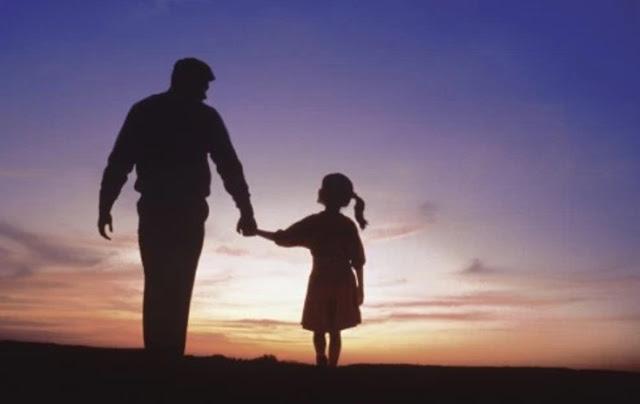 Τα συγκλονιστικά λόγια αναγνώστριας προς τον πατέρα της που δεν ήταν εκεί να της πει Χρονιά πολλά...
