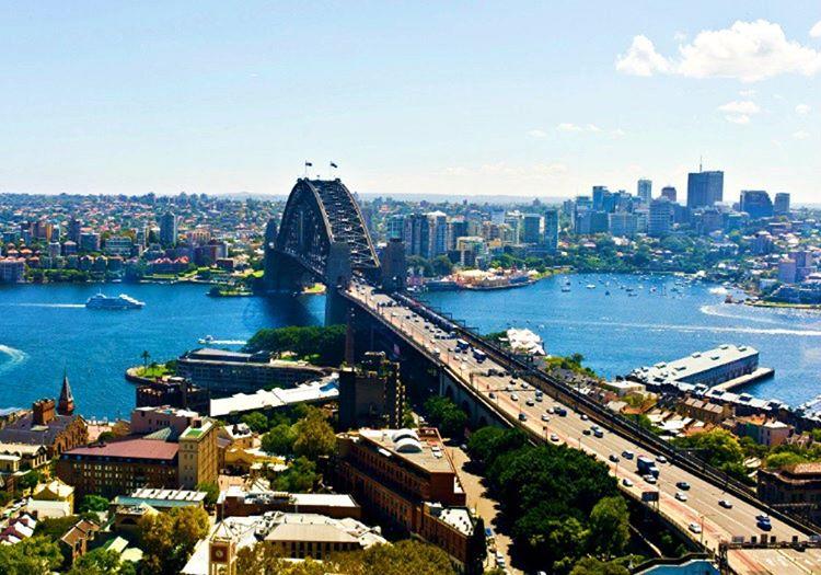 Avustralya'nın başkenti oldukça büyüleyicidir, herkesin giderek görmesi gereken bir yerdir.