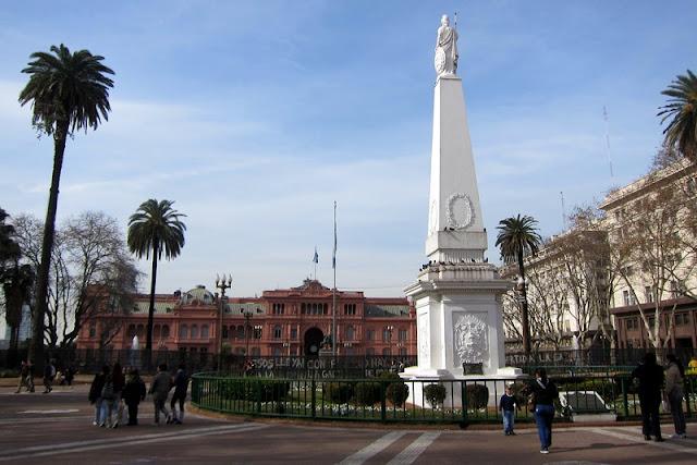 Plaza de Mayo em Buenos Aires no mês de maio