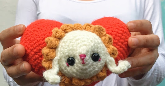 Amigurumi love bunny crocheted heart with bunny free pattern