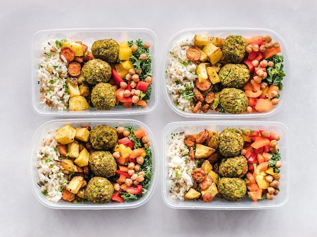 Meal-prep-lunchs-préparation-couleur