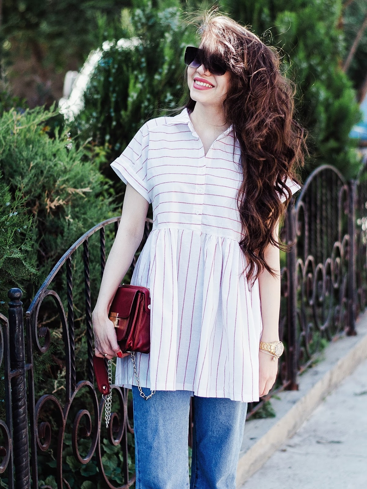 fashion blogger diyorasnotes diyora beta dress and jeans ripped jeans heels sandals pink striped top