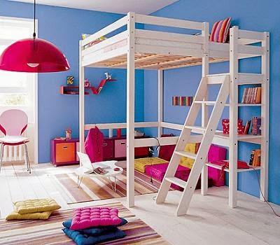 cama con estructura alta
