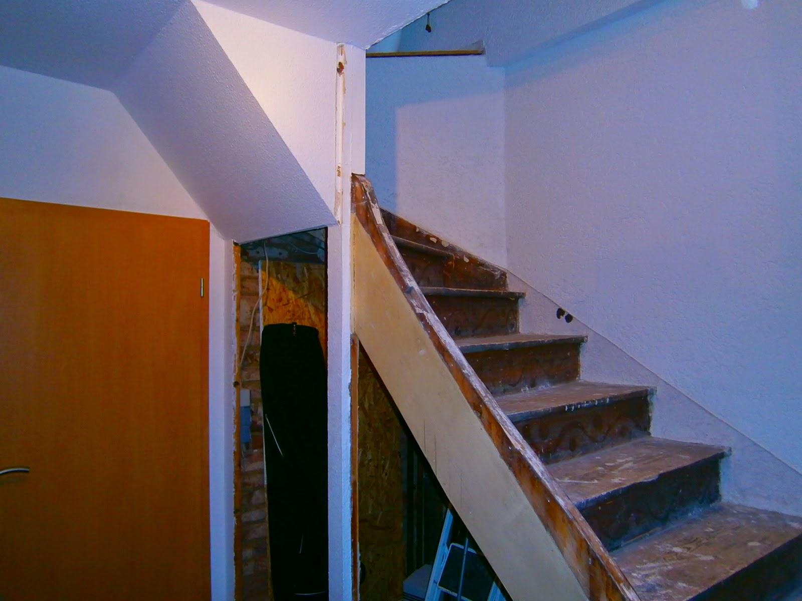Treppe vor der Renovierung