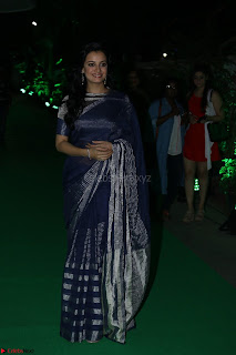 Dia Mirza in Sizzling Designer Saree at THE OLIVE CROWN AWARDS 2017 23.jpg