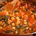 Ciecierzyca ze szpinakiem i pomidorami