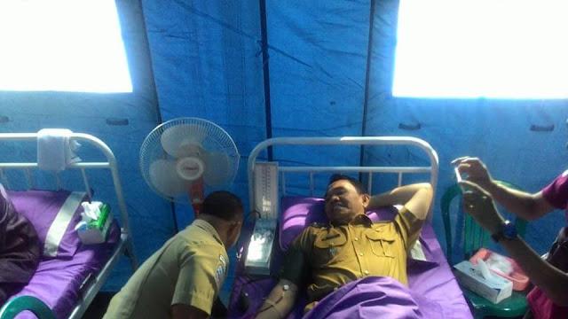 Bupati Ikut Mendonorkan Darahnya, Dalam Rangka Peringatan Hari Kesehatan