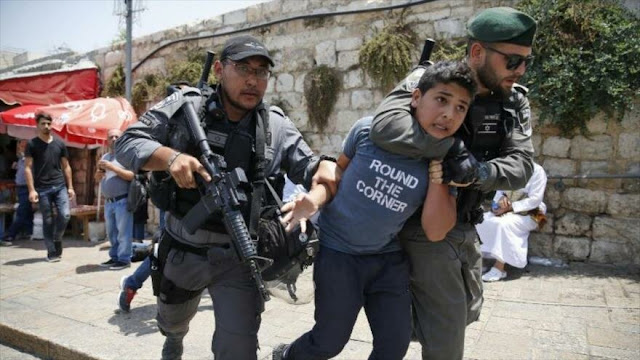 Menores palestinos denuncian torturas en cárceles israelíes