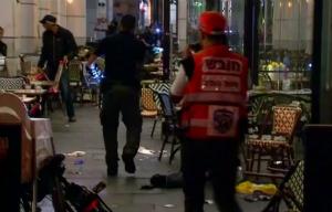 Muçulmanos palestinos abrem fogo e matam 4 em ataque a mercado de Israel