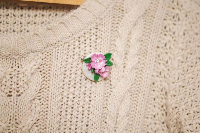 Broszka kwiaty wiśni