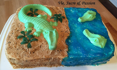 Crocodile/Alligator Beach Cake