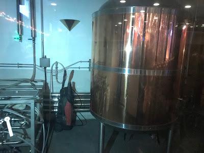 神奈川・横須賀 シャーキーズ 醸造タンク