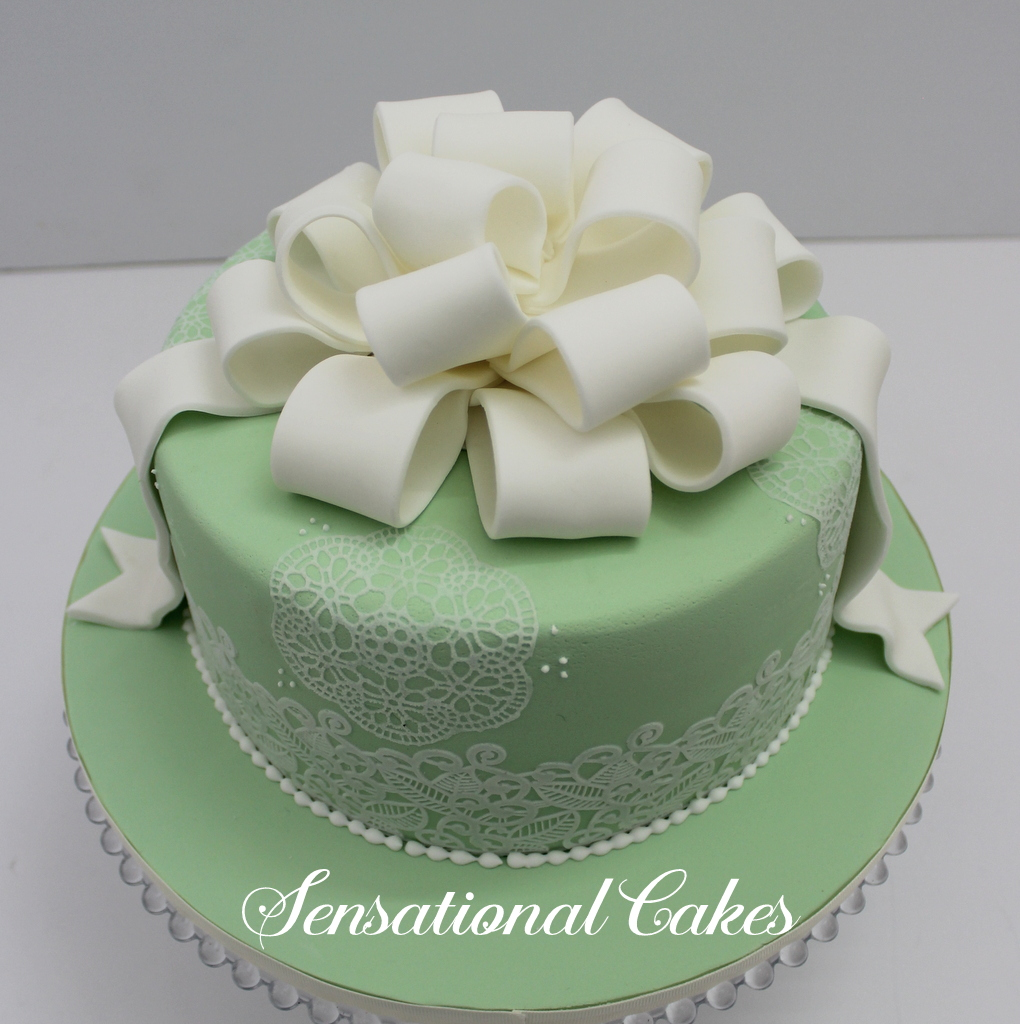 The Sensational Cakes Veil Emerald Green Bow And Ribbon Wedding