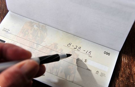 How to write a check        How to write  Write the recipients name on the line that says  Pay to the Order of   If  it s to an individual  include both their first and last names  If the check  is