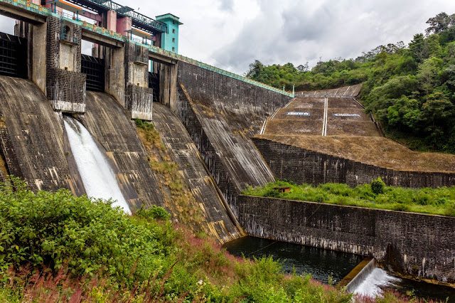 Neerar Dam - bottom view
