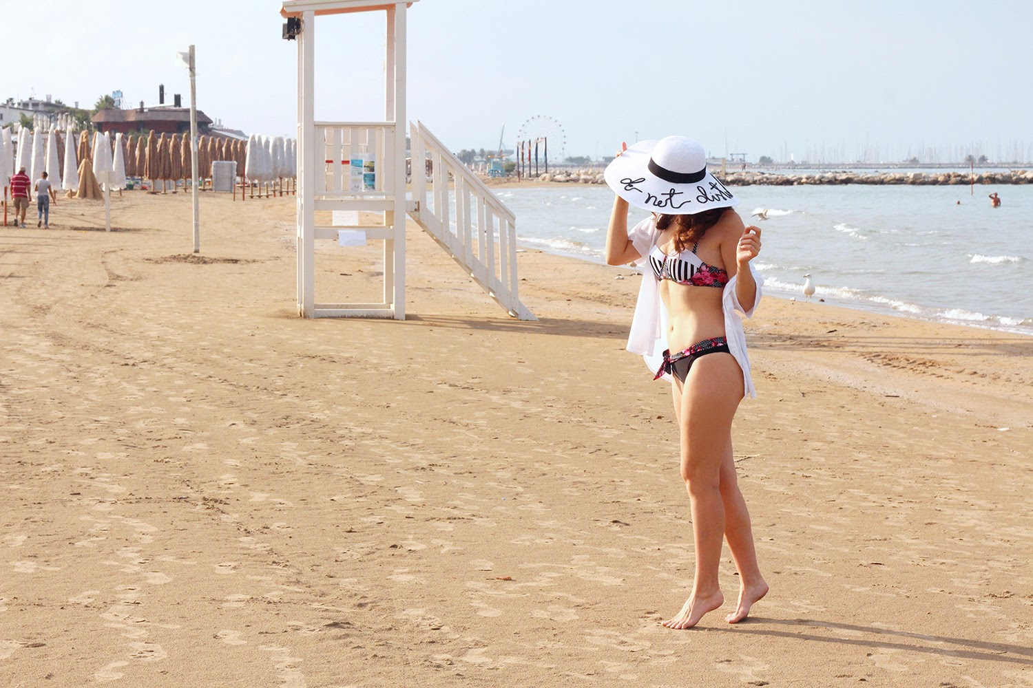 fashion style blogger outfit ootd italian girl italy trend vogue glamour pescara bikini summer 2016 mini swimwear costume beach white straw hat cappello paglia do not disturb eugenia kim