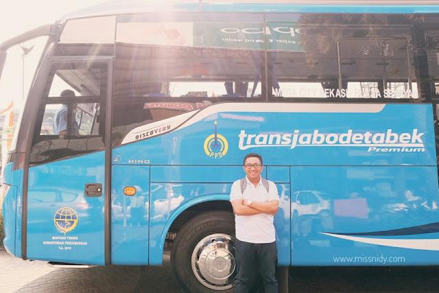 bus premium transjabodetabek
