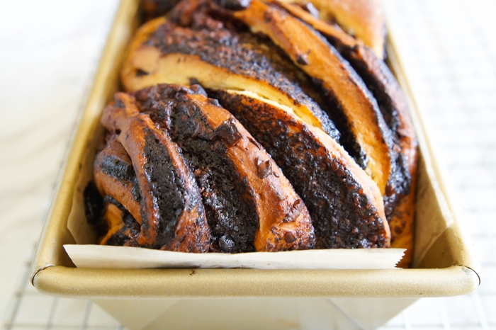 Chocolate Babka recipe : a sweet, buttery dough swirled with chocolate. It's the dreamiest bread you'll ever make. | bakeat350.net for The Pioneer Woman Food & Friends