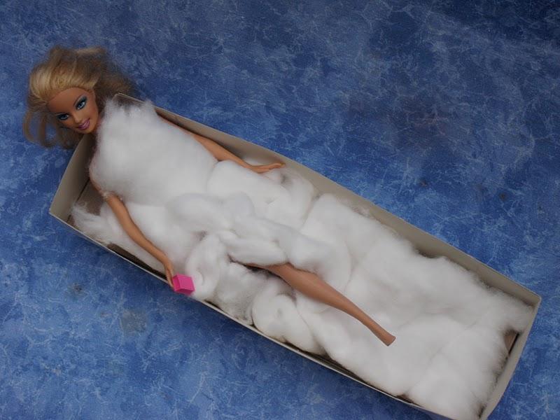 Unconventional Mom Una vasca da bagno per Barbie Appuntamenti CreAttivi