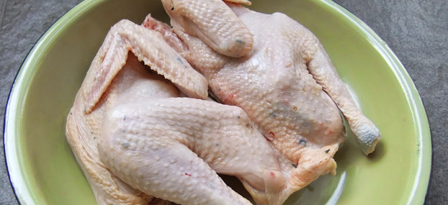 Characteristics of chicken cock, Features of fried chicken tiren, Characteristics of fresh chicken, Danger of chicken tiren, Picture of chicken tiren, Characterize the characteristics of chicken tiren after cooking, Characteristics of chicken injecting, Characteristic features of fresh and rotten meat,