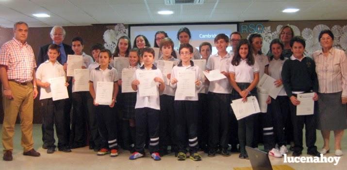 http://www.lucenahoy.com/lucena/ocio/item/8792-36-alumnos-de-la-pur%C3%ADsima-reciben-los-t%C3%ADtulos-correspondientes-a-los-ex%C3%A1menes-de-cambridge-fotos