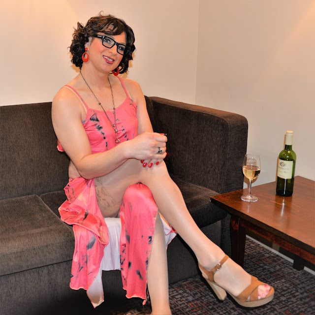 Crossdress in Pink lingre