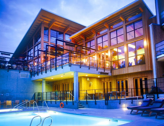 Brentwood Bay Resort & Spa offering deluxe oceanview accommodation, spa services, pub and dining room meals, special packages, near Victoria, BC.