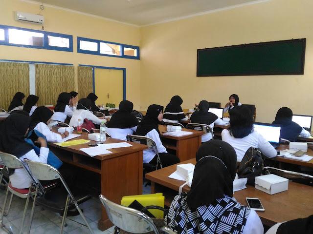 Validasi dan konsolidasi pengelola BOK puskesmas ini diikuti oleh 66 orang peserta terdiri dari 33 orang pengelola BOK puskesmas dan 33 orang pelaksana sanitasi se-Kabupaten Probolinggo. www.kraksaan-online.com