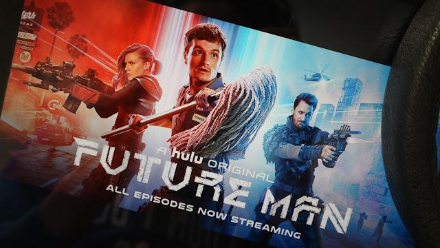 Josh Hutcherson dans Future Man sur Hulu