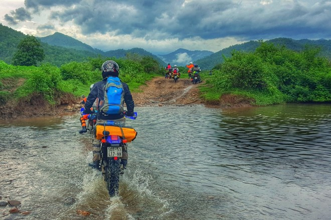 Go to Ha Giang from Hanoi by motorcycle