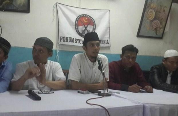 """Rezim Represif Anti Islam, Ibunda Diko: """"Sudah Enam Pekan Diko Dilarang Jum'atan"""""""