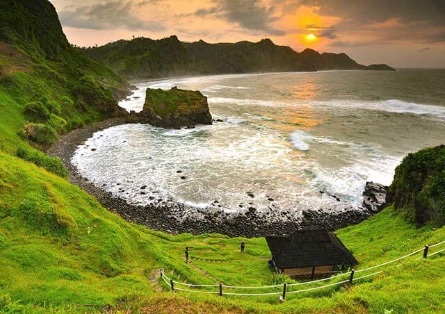 7 Pantai Terbaik di Jawa Tengah - Foto IG tofikcahyanto