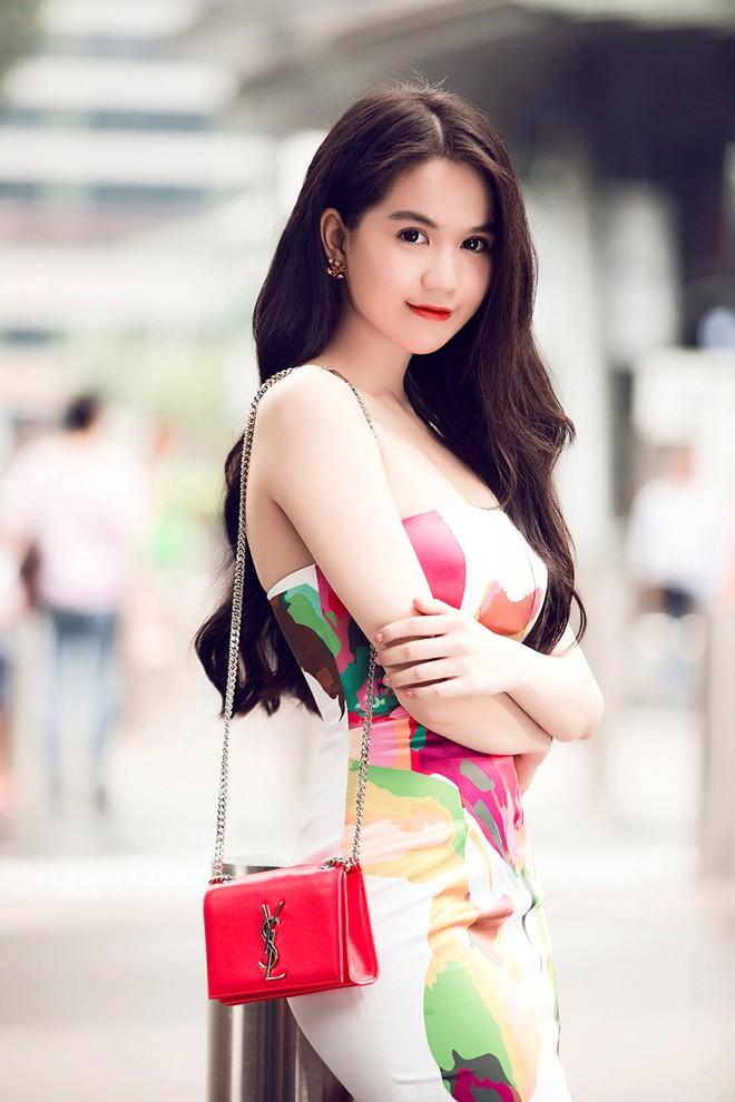Ngoc Trinh goi cam noi bat tren duong pho Singapore 13 - Beautiful Asian Girl Hot Sexy NGOC TRINH