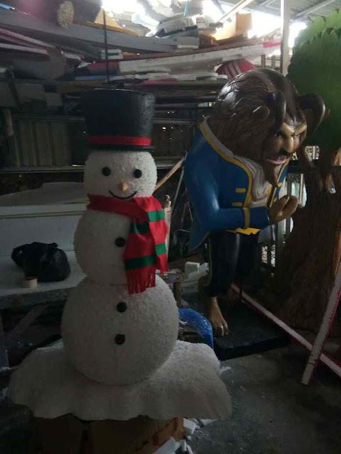 Sculpture / Patung 3D Snow man (Manusia Salju) daristyrofoam untuk dekorasi Natal