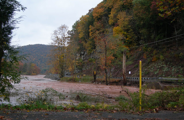 Pennsylvania Pipelines Bursts, Leaks 55,000 Gallons Of Gas Into A Major River