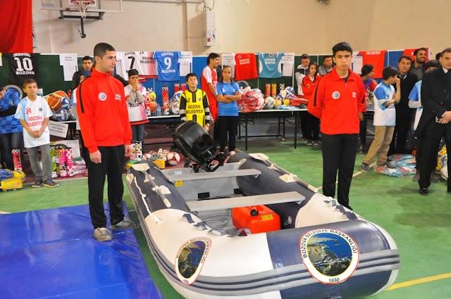 Bozova'da gençler sporla tanışıyor