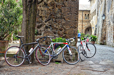 bicycle rental shop in Orvieto cycling Umbria in Italy