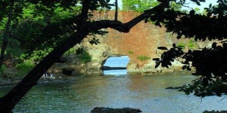 Pantai Pintu Kota  lokasi pantai pintu kota sejarah pantai pintu kota pantai pintu kota ambon pantai pintu kota di ambon