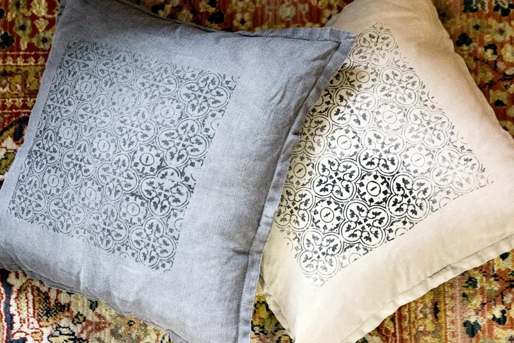 Pellavatyyny, käsityö, pellava, tekstiili, tyyny, painettu, kuvio, diy, käsin painettu, kankaanpainanta, sisustustyyny, sisustus, sisustaminen