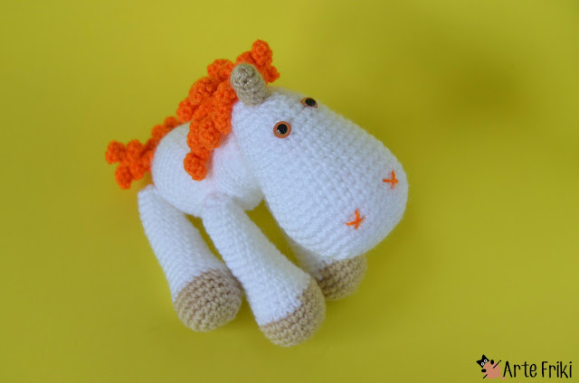 unicornio amigurumi arte friki unicorn amigurumi crochet doll ganchillo muñeco kawaii plushie handmade diy fantasy magic naranja orange