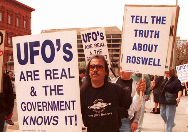 a review of the infamous roswell incident