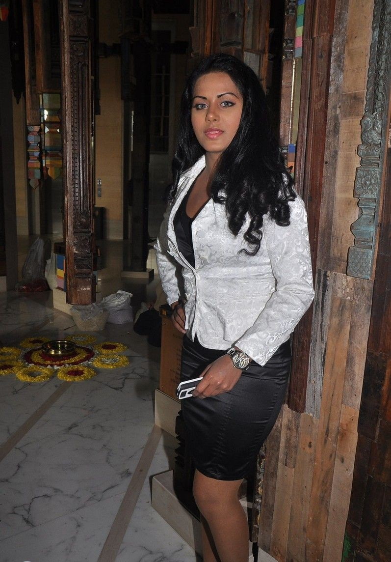 Rachana Maurya Thigh Show Photos In White Dress
